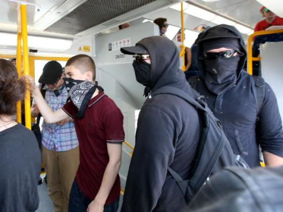 Anarcho-Fascists take train to Cronulla
