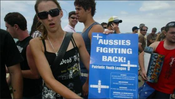 Aussies fighting back
