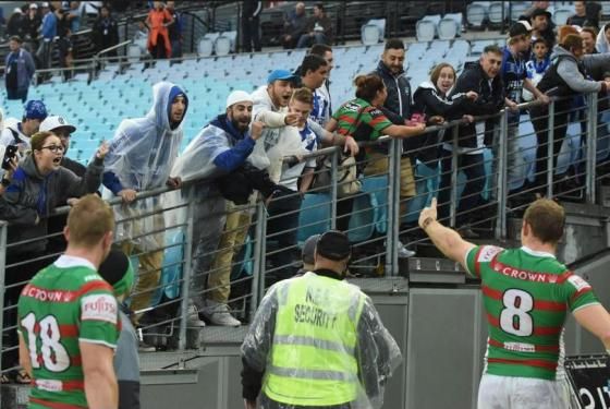 Leb fans of Canterbury Bulldogs abuse Rabbitohs team