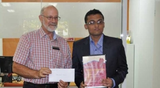 2015 Bendigo Bank Community Scholarship presented by Peter Cox