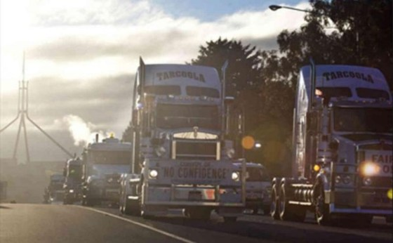 Owner driver protest outside Parliament in Canberra 2016