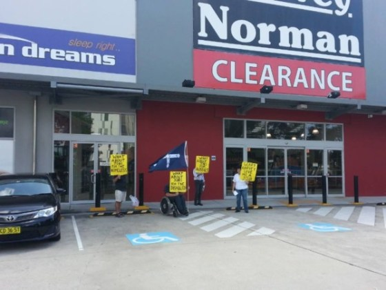 Harvey Norman to employ Syrian scabs