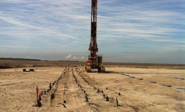 Drainage wicks being drilled into the new parallel runway site. (Brisbane Airport Corporation)
