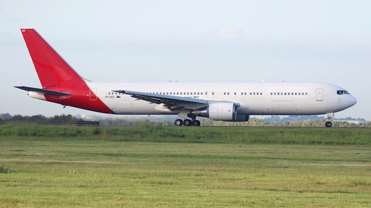 VH-OGU leaves Brisbane Airport. (Craig Murray)