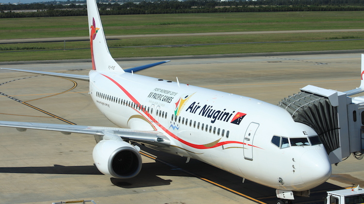 A 2014 image of a <a href='http://medan.tribunnews.com/tag/boeing-737-800' title='Boeing 737-800'>Boeing 737-800</a> P2-PXE at Brisbane Airport. (Andrew Thomas/Wikimedia Commons)