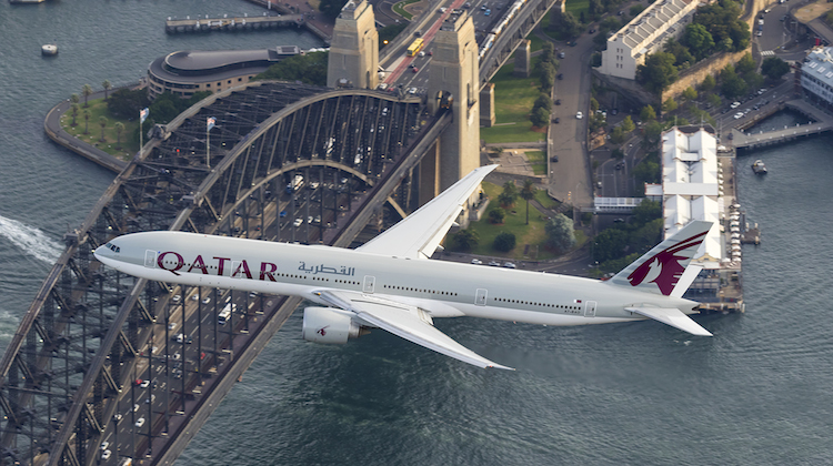 Qatar Airways Boeing 777-300ER A6-BAO flies over Sydney Harbour. (Seth Jaworski)