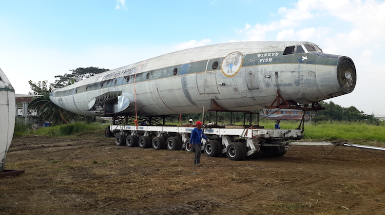 The Super Constellation being prepared for storage at Manila Airport. (Qantas Founders Museum)