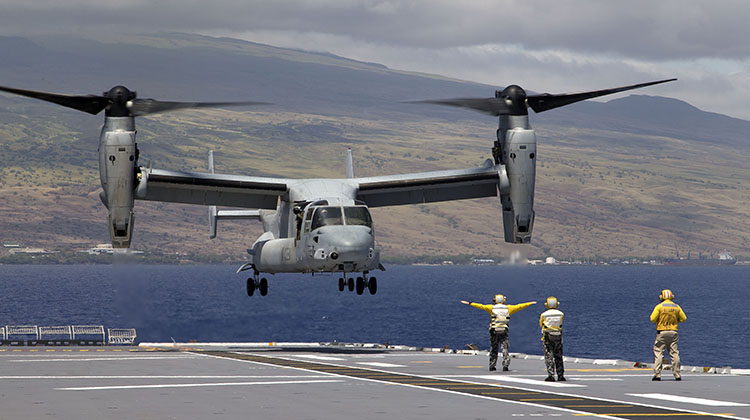 A United States Marine Corps MV-22B Osprey aircraft lands on board HMAS Canberra off the north east coast of Hawaii during Exercise Rim of the Pacific (RIMPAC) 2016. (Defence)