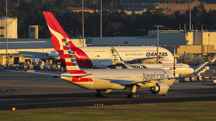 American Airlines and Qantas want to expand their trans-Pacific alliance.