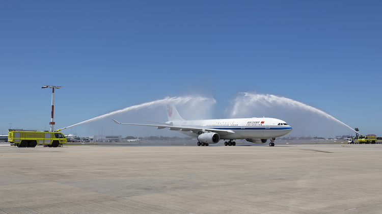 Air China's inaugural Sydney-Chengdu services is welcomed at Sydney Airport. (Sydney Airport/Kurt Ams)