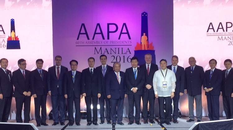 Airline executives pose for obligatory group shot at opening of Association of Asia Pacific Airlines annual gathering in Manila. (Jordan Chong)