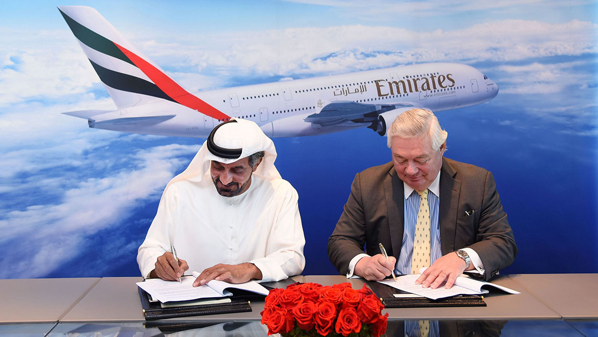 Emirates chairman and chief executive Sheikh Ahmed bin Saeed Al Maktoum and then Airbus Commercial Aircraft chief operating officer for customers John Leahy sign the MoU. (Airbus/Emirates)