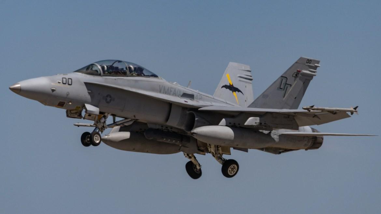 A USMC F/A-18D departs Tindal. (Mark Jessop)