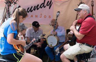 Grundy Banjos