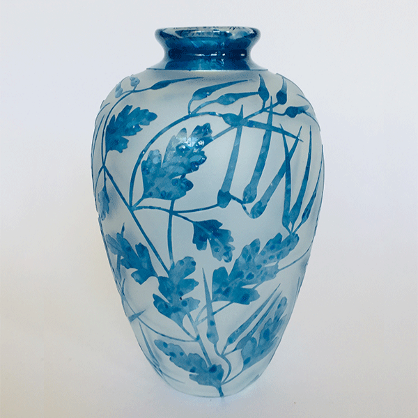 Cranesbill Geranium vase by Amanda Louden. Blown and etched glass.