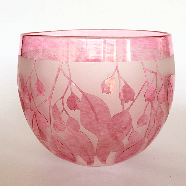 Flame Tree bowl (pink) by Amanda Louden. Blown and etched glass