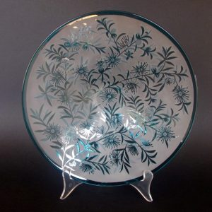 Kunzea ambigua plate. Handblown and etched glass by Amanda Louden. H 5cm W 26cm