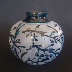 Juvenile Leafy Seadragon vase. Handblown and etched glass by Amanda Louden. H13.5cm W13cm