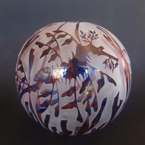 Leafy Seadragon sphere. Handblown and etched glass by Amanda Louden H18cm W18cm