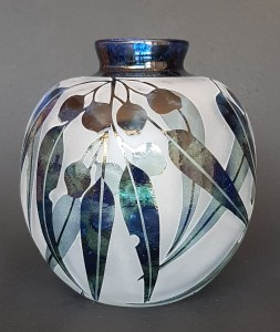 Green and blue gum nut vase by Amanda Louden. Blown and etched glass. H 14cm x W 11cm