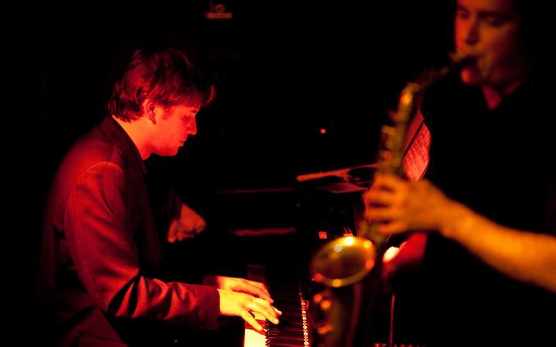Daniel Gassin (Phil Noy on sax)