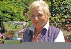 Women's defending champion Sylvia Donohoe