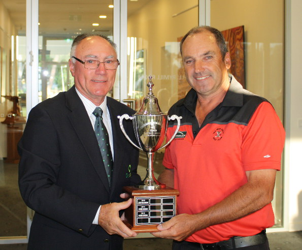 2015 SA Senior Order of Merit winner Norm Cordina receives the John Beaumont Trophy