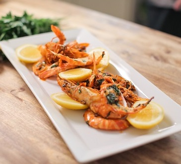 Summer garlic prawns