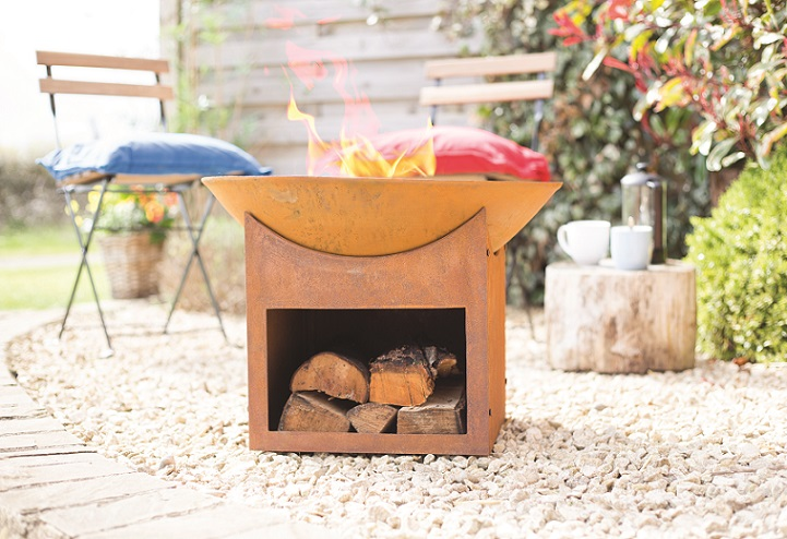 'Classic Aussie Backyard' style Tambo Fire Pit by Glow