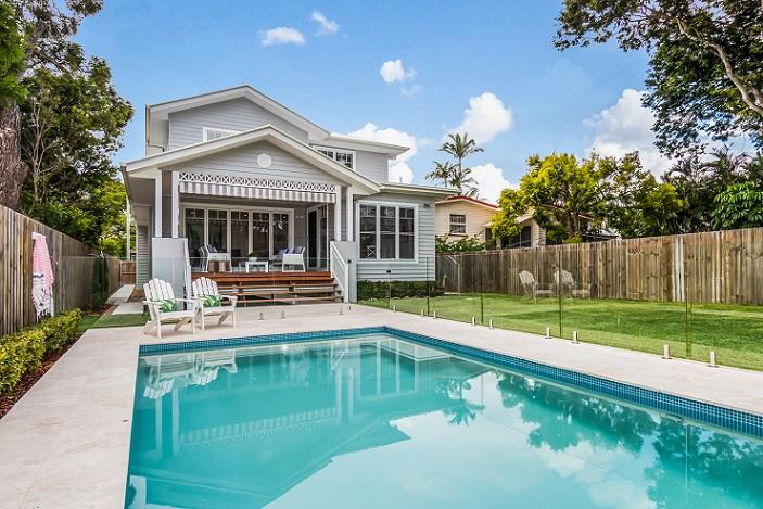 Deborah's Inspiration took in Hamptons Homes like this (backyard)