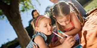 Australia tăng trợ cấp cho các gia đình có từ 2 con đang tuổi đi học