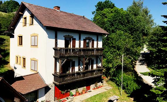 Apartmenthaus (140m²)