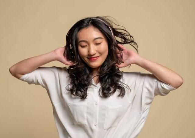 5 dicas para estudar outro idioma ouvindo músicas - Autenticus Educa