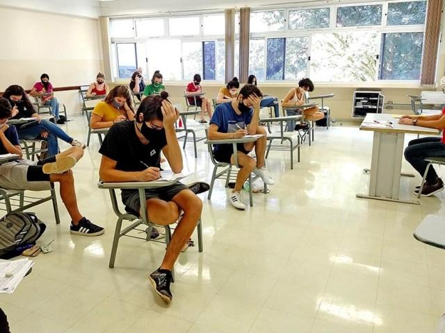 Unicamp inicia 2ª fase do vestibular 2021 com provas de redação, português e inglês - Autenticus Educa