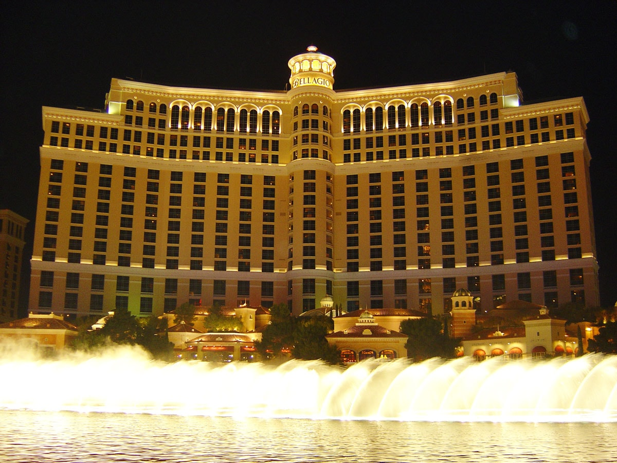 Las Vegas Trip Review from @emilyjoanho - Bellagio Fountains