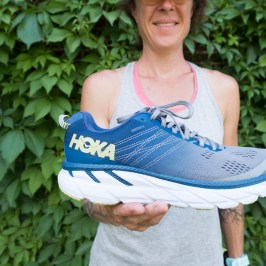 Side view of the Women's HOKA ONE ONE® Clifton 6