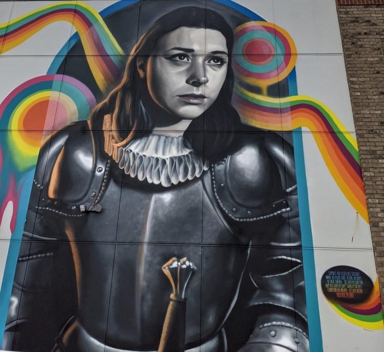 Best Instagram Spots in Asheville: Beachams Curve Joan of Arc