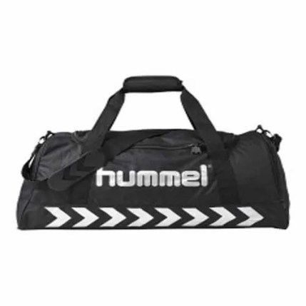 Authentic Sports Bag from Hummel is a good example of the classic sports bag.
