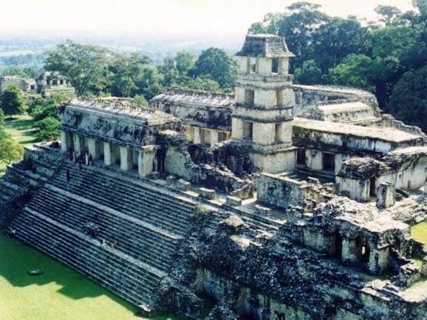 grosser_tempel_in_palenque