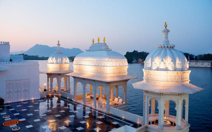 taj-lake-palace-floating-large