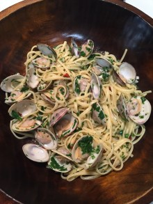 Linguine with vongole (clams).