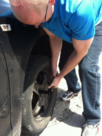 Food as a reward - but not for changing this tire