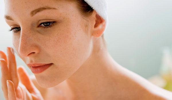 Cuidados com a pele - Benefícios de saúde do óleo de rícino