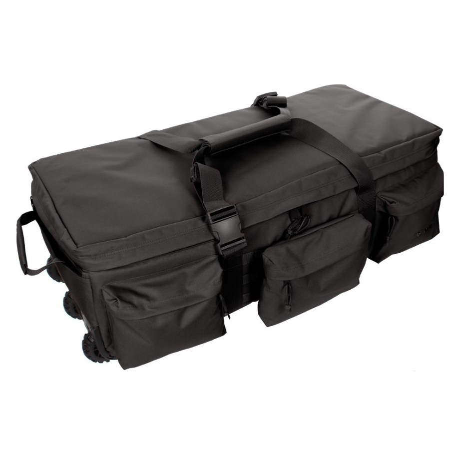 b25210165fbd The bag has large compartments where travelers can pack their entire luggage  in one place.