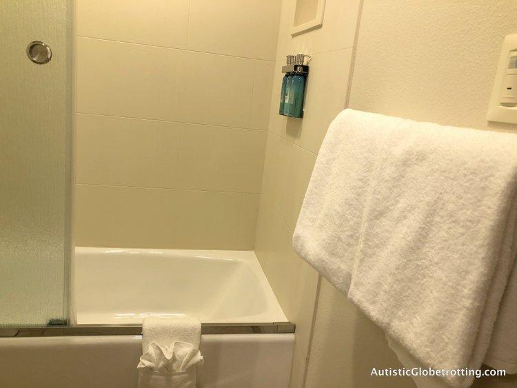 Disney Coronado Springs Resort Tips for Families the shower tub