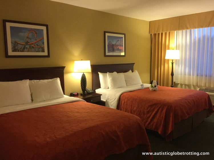 The Knott's BerryFarm Hotel is great for Families beds