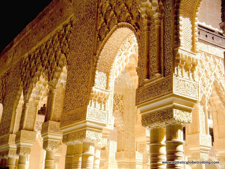 Visiting the Alhambra Palace with Family arch
