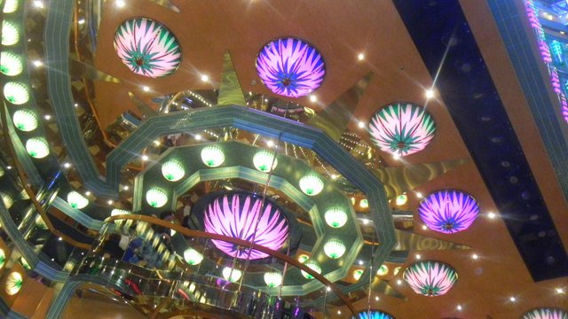 Family Cruise aboard the Carnival Magic lights
