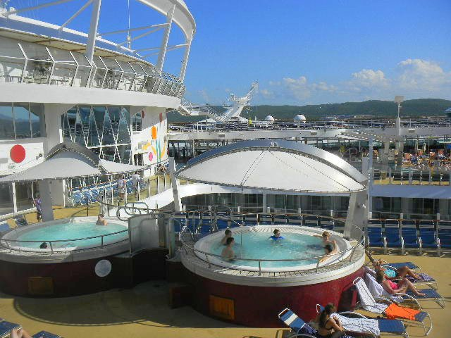Family Cruise aboard Allure of the Seas hottub