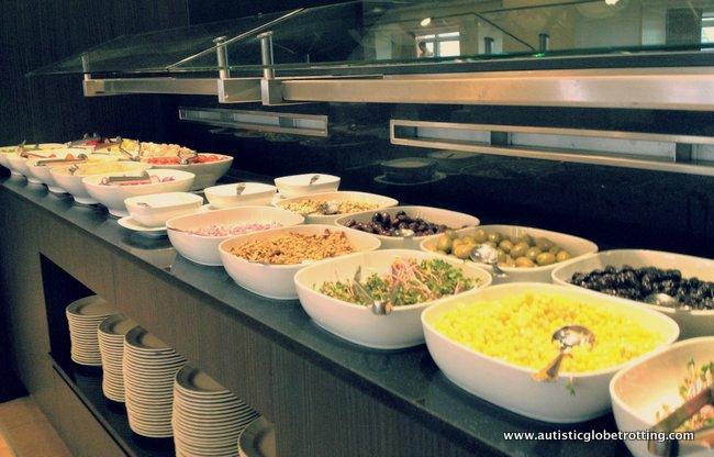 Dan Tel Aviv Hotel Welcomes Families buffet